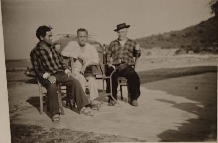 Mon grand-père Simon Grimaldi, au centre, sur la plage d'Alistro